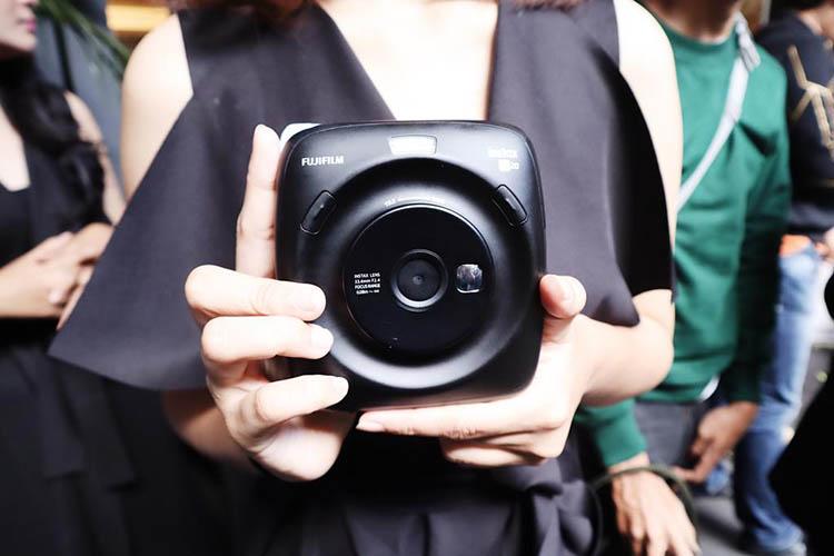 Fujifilm Instax SQUARE SQ20, Kamera Instan dengan Banyak Fitur baru (2)