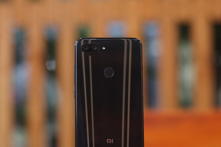 Review Xiaomi Mi 8 Lite (1)