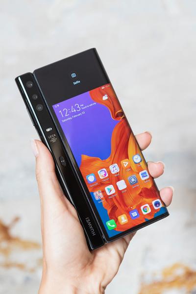 Hp lipat Huawei Mate X (76)