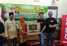 Lenovo Indonesia Beri Donasi Komputer Ke Pelajar SD.