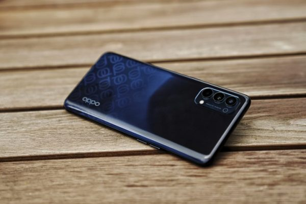 OPPO Reno4 glow gradation color